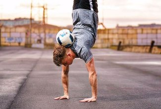 What is freestyle football? A professional explains…