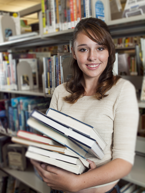 GIR girl w multiple books.png