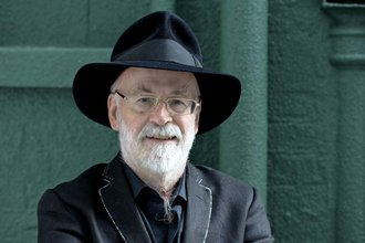 Terry-Pratchett-2011.jpg